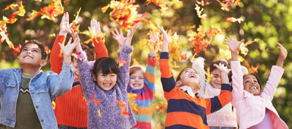 media-kids-leaves-large